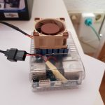Hier sieht man deutlich die Verkabelung von den Adapter-Kabeln und dem oDroid XU4-Lüfter-Stecker.